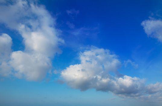 Blue sky with perfec cumulus clouds
