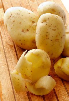 Raw Potato Full body and Slices
