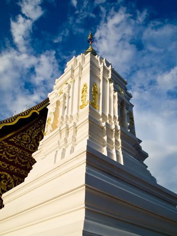 White stupa in traditional Thai style2