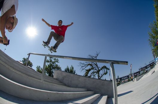 Andre Pereira on a FS Nose Grind