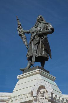 Count Pedro Ansurez statue