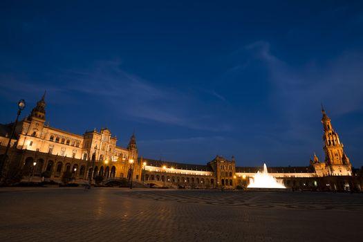 Plaza Espana in Sevilla at night