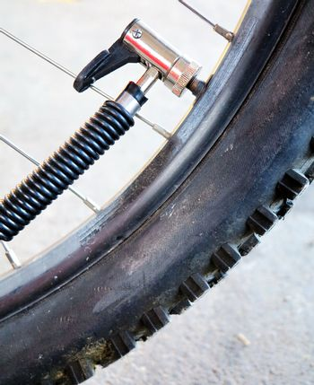 valve bike pressure pump the tyre of a mountain bike