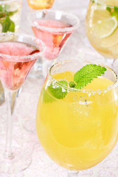 Margaritas with Salt and Garnish