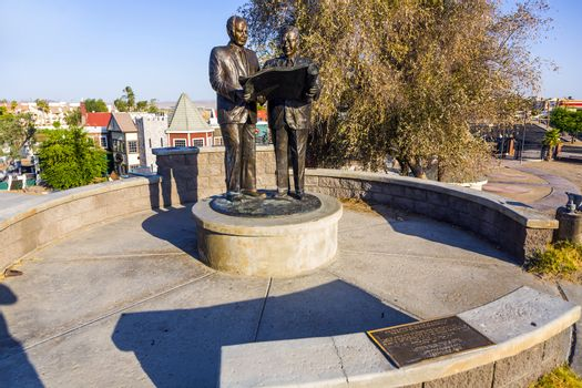 LAKE HAVASU, USA - JULY 8: statue of Robert Paxton McCulloch who bought the London Bridge on July 8, 2008 in Lake Havasu, USA. The attraction was opened on October 10, 1971 with  fanfare and fireworks.