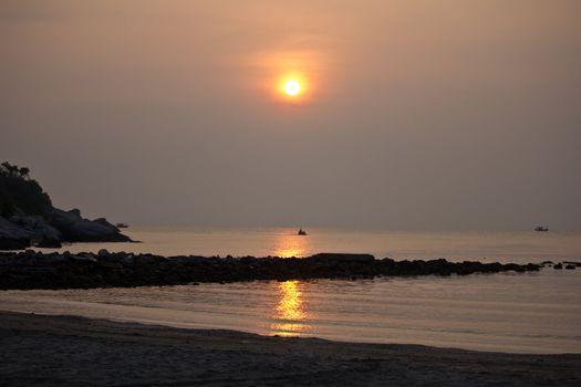 Hua Hin sun rise with reflection