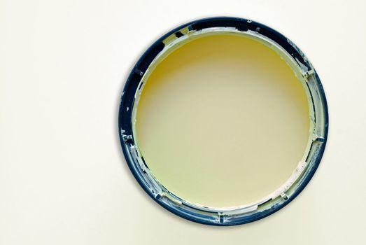 Round paint tin
