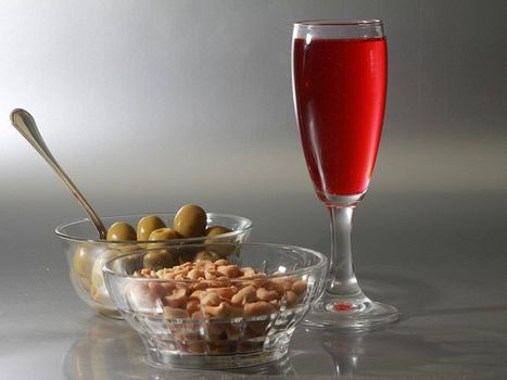 aperitif olive and nuts