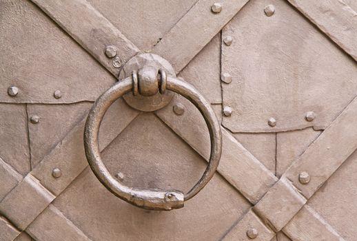 Steel knocker