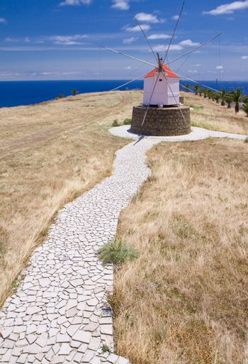 Footpath to Portuguese windmill
