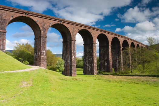 Low gill viaduct