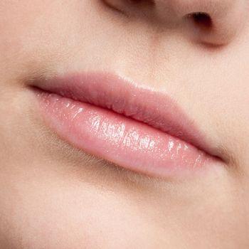 Lips make-up zone