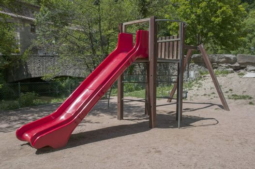 red swings for toddlers