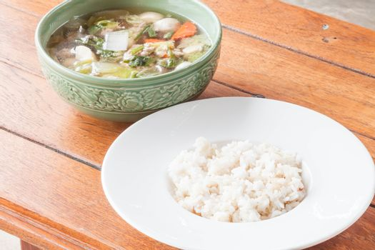 Easy cooking with rice and clear pork soup