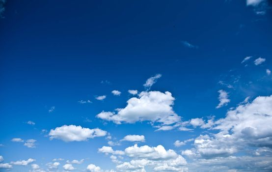 beautyful heaven with cumulus clouds