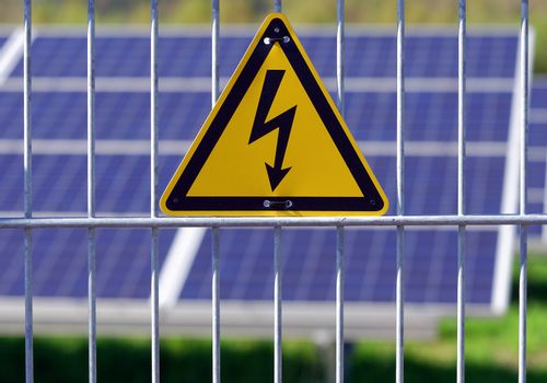 warning sign of electrical hazard