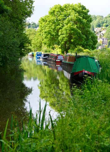 Narrow boats at he Kennet and Avon Canal