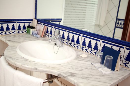 Modern bathroom with sink and mirror