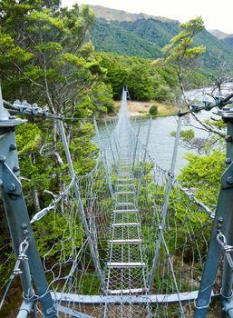 Suspension walking bridge