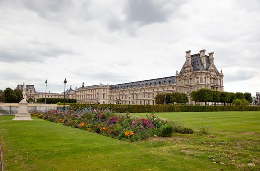 beautiful French architecture in central paris
