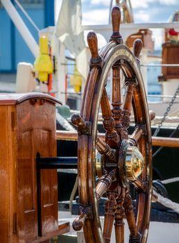 Steering wheel of a sailing vessel