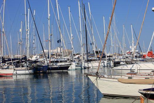 Pleasure boats and yachts