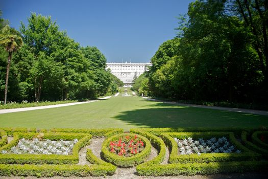 Madrid palace from Campo del Moro