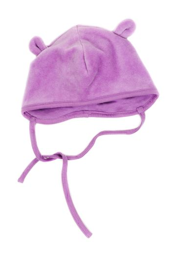 Children's hat with strings