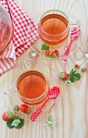 Fruity tea with strawberries