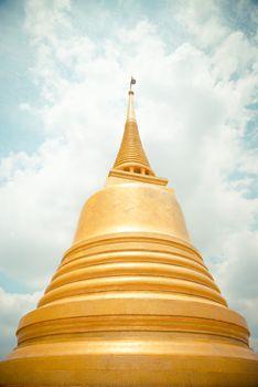 Golden pagoda in Wat Sraket Thailand1