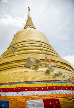 Golden pagoda in Wat Sraket Thailand2