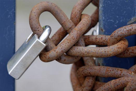 rusty chain locked