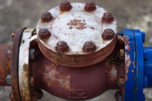 Pipe fittings with rust