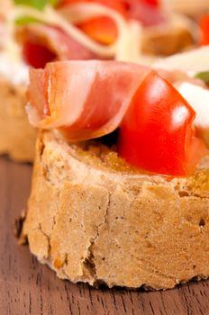 Ham on bread