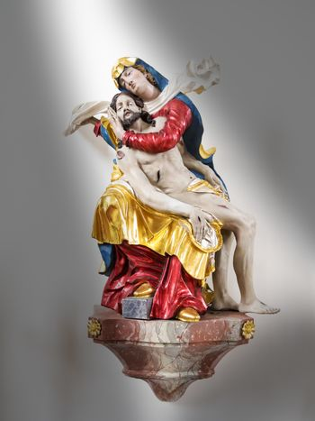 Statue of Maria with Jesus