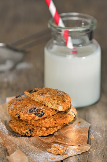dietetic biscuits and milk