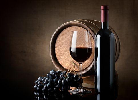 Wine and barrel