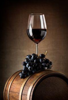 Wine goblet and barrel