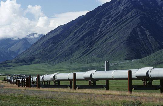 USA Alaska Dalton Highway pipeline in valley