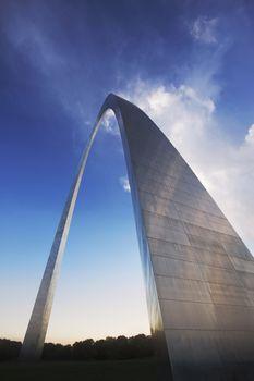 Modern arch sculpture in St Louis Missori