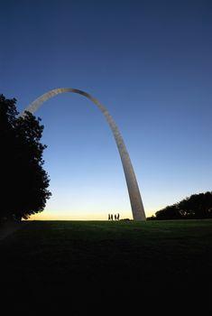 Modern arch sculpture in St Louis Missouri