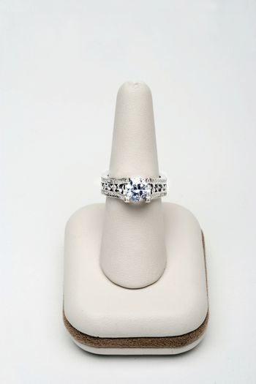 Sparkling Sapphire Diamond Ring
