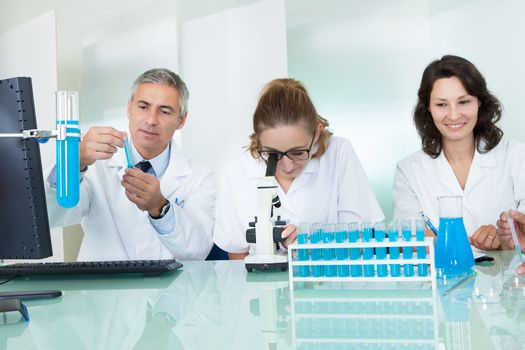Paramedical or technical staff in a lab