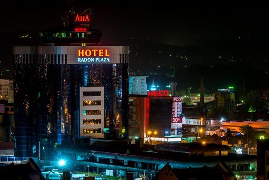 Nightshot of Hotel Radon Plaza