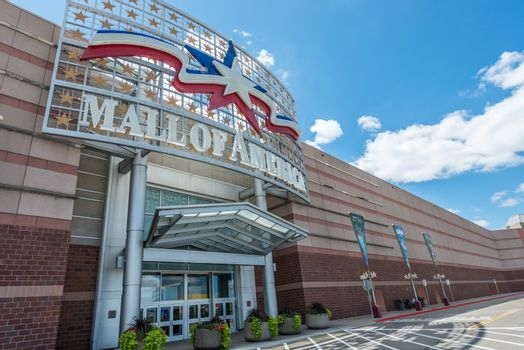 MINNEAPOLIS, MN - JULY 28: Mall of America main entrance, on July 28, 2013, in Minneapolis, MN.