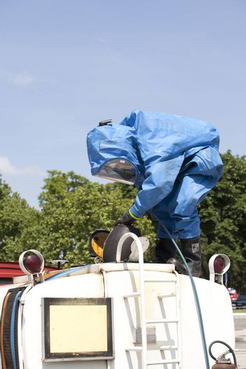 Simulation of a chemical spill after road accident