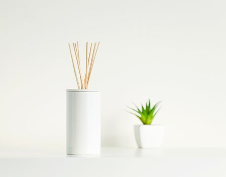 House perfume scent diffuser