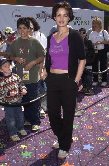 Carla Gugino at the Education Works benefit to promote after-school activities, Universal Studios Hollywood, 03-25-00