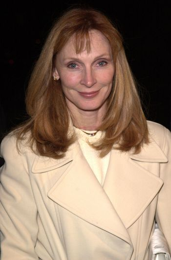 """Gates McFadden at the premiere of Warner Brother's """"Pay It Forward"""" in Beverly Hills, 10-12-00"""