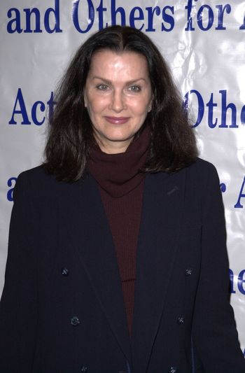 Veronica Hamel at the Actors and Others for Animals benefit, Universal City, 10-21-00